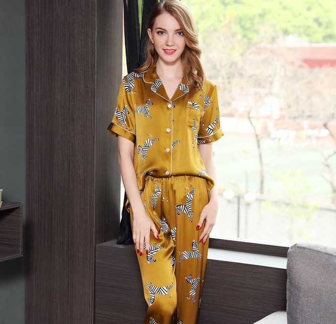 Skin friendly pajamas are becoming first choice because of several other benefits as well